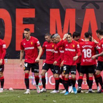 El RCD Mallorca resuelve por la vía rápida su partido ante el Rayo (1-3) y sigue mostrando su fortaleza fuera