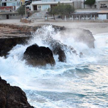 La borrasca 'Hortense' pone a Baleares en aviso naranja por oleaje y amarillo por viento