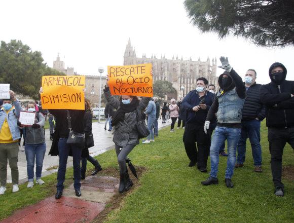Todos los detalles sobre la marcha de los hosteleros, que congregó a un millar de personas y unos 850 vehículos