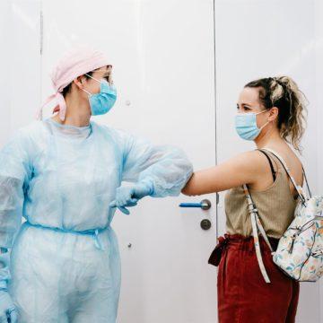Los dentistas piden a Sanidad poder vacunar a su propio colectivo de COVID-19