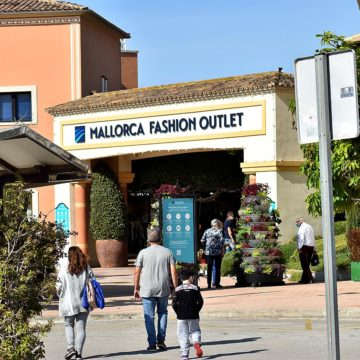 La desescalada en Mallorca comienza este lunes con la apertura al 30% de los centros comerciales