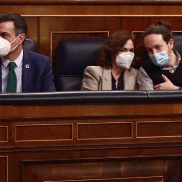 """Sánchez admite el error de la desescalada y pide evitar una cuarta ola: """"El Covid sólo necesita una mecha"""""""
