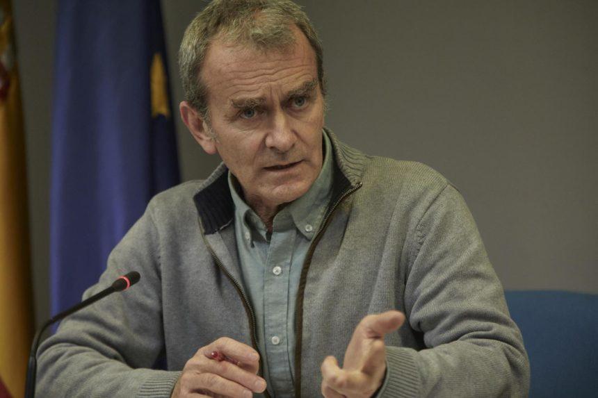 """Fernando Simón cree que el pasaporte Covid-19 puede ser una herramienta """"muy útil"""" pero puede generar """"problemas"""""""