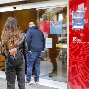 Los mayores de 50 recuperan el nivel de empleo pre-Covid, frente a la destrucción de empleo juvenil