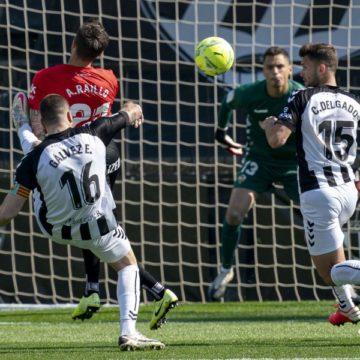 El RCD Mallorca baja su rendimiento a domicilio (1-0)