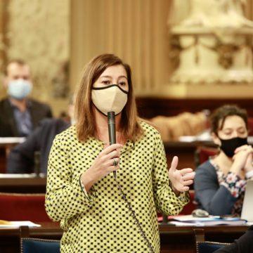 """Armengol: """"No es cierto que para reactivar el turismo el 70% de la población tenga que estar vacunada en junio"""""""