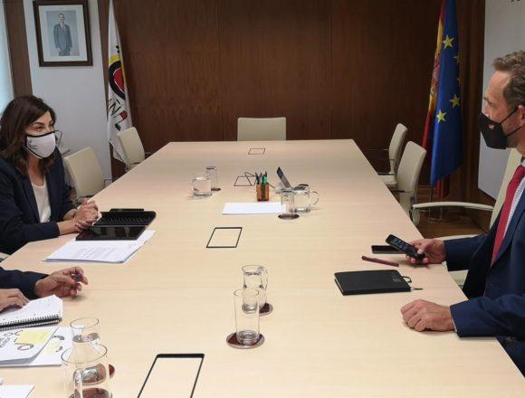 Negueruela prepara con el Gobierno la campaña de verano ante los principales mercados turísticos de Baleares