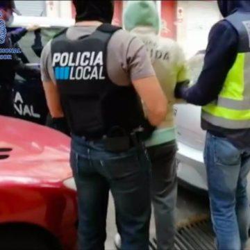 Desmantelan un punto de venta de drogas en Palma y arrestan a dos personas
