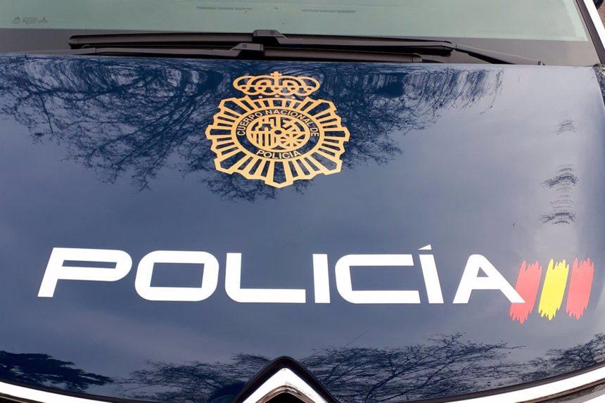 Una conductora drogada y ebria estrella su coche y causa daños en varias viviendas en Sa Ràpita