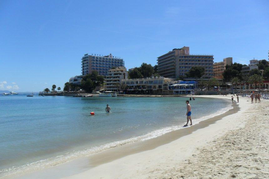 La costa de Mallorca lidera las reservas de viviendas turísticas para verano, con un 90% de ocupación
