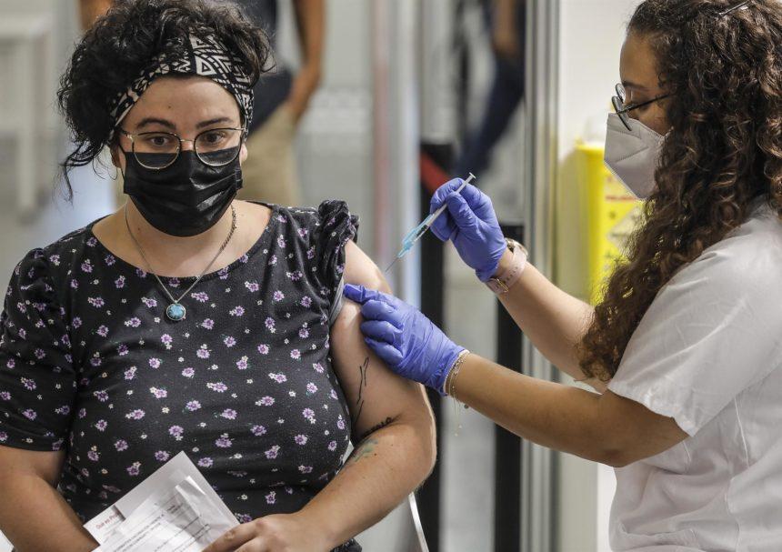 El 71,3% de la población de Baleares tiene la primera dosis de la vacuna y el 60,4 la pauta completa