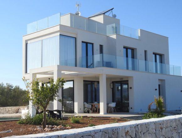 La vivienda es un 1,4% más cara que hace un año en Baleares y Canarias, según Tinsa