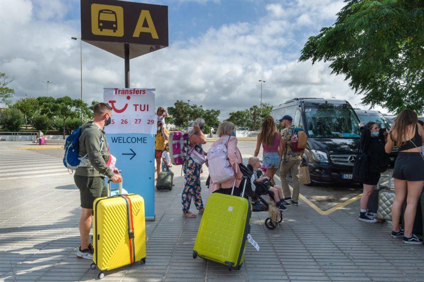 Baleares recibió 656.082 turistas internacionales en junio, con un gasto de 737 millones, un incremento del 2.500%