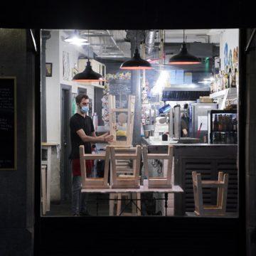 Restauradores reclaman con urgencia abrir «una hora más» porque el problema «está en la calle, no en los locales»