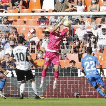 El Mallorca pierde dos puntos en Valencia tras encajar dos goles en el descuento (2-2)