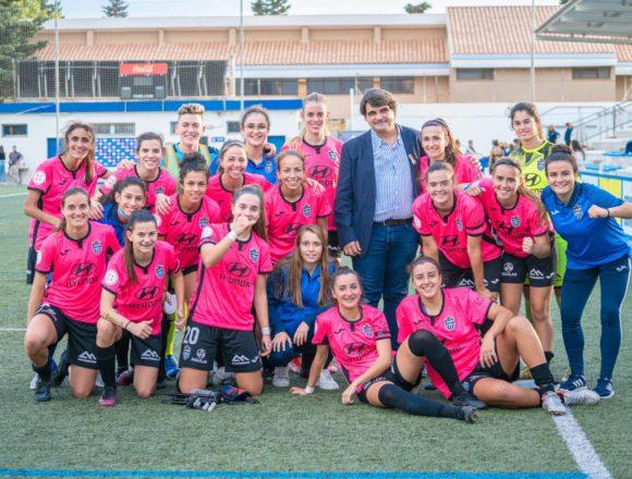 El Atlético Baleares lanza una camiseta para homenajear a las mujeres que luchan contra el cáncer de mama
